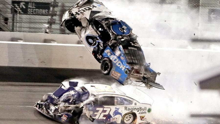 Hospitalizan a Ryan Newman tras aparatoso accidente en Daytona 500