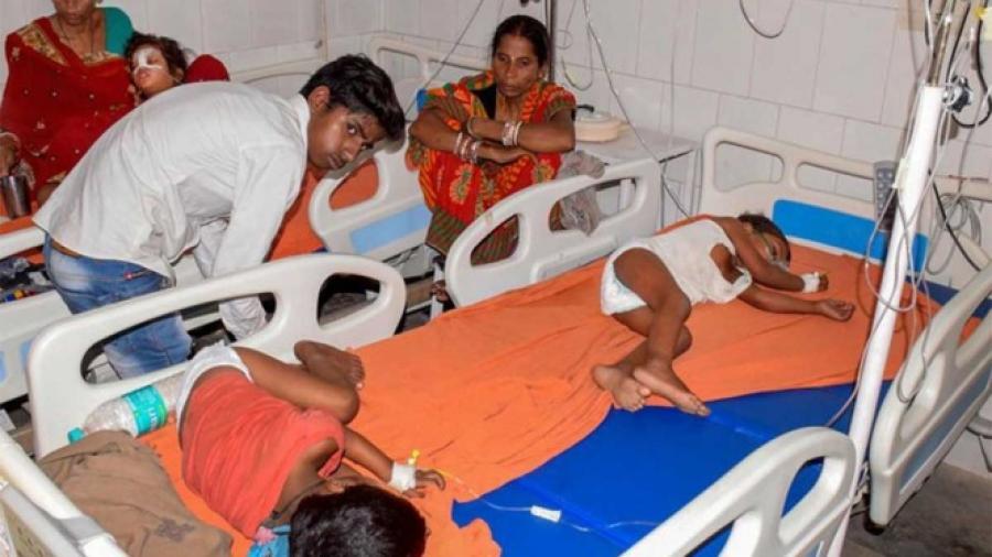 Al menos 43 niños muertos por brote de encefalitis en India