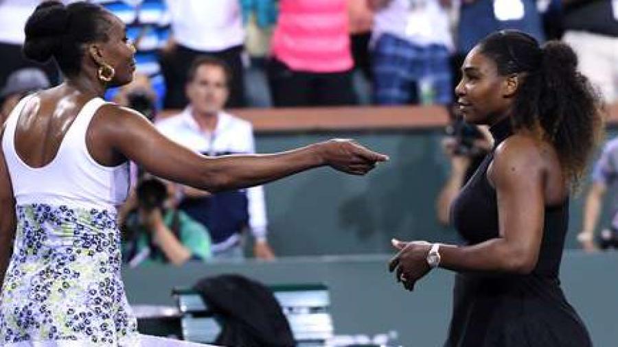Venus Williams derrota a su hermana Serena en Indian Wells