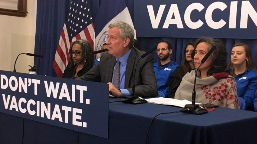 Anuncian demanda contra vacunación obligatoria en Nueva York