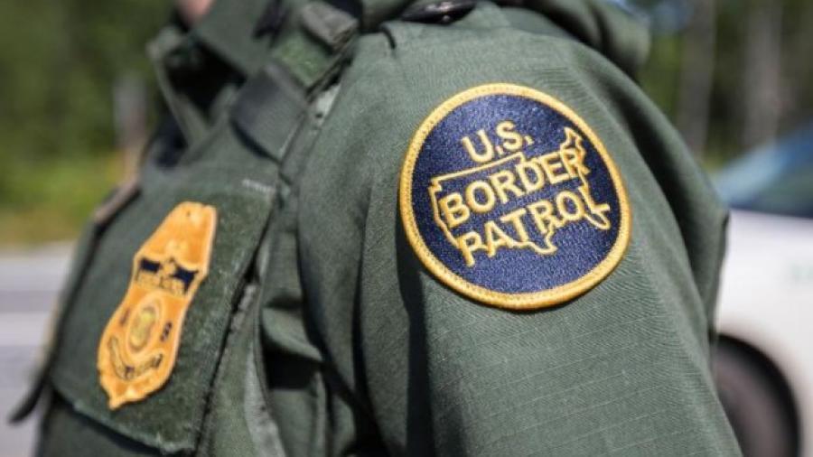 Agentes de la Patrulla Fronteriza arrestan a 325 migrantes